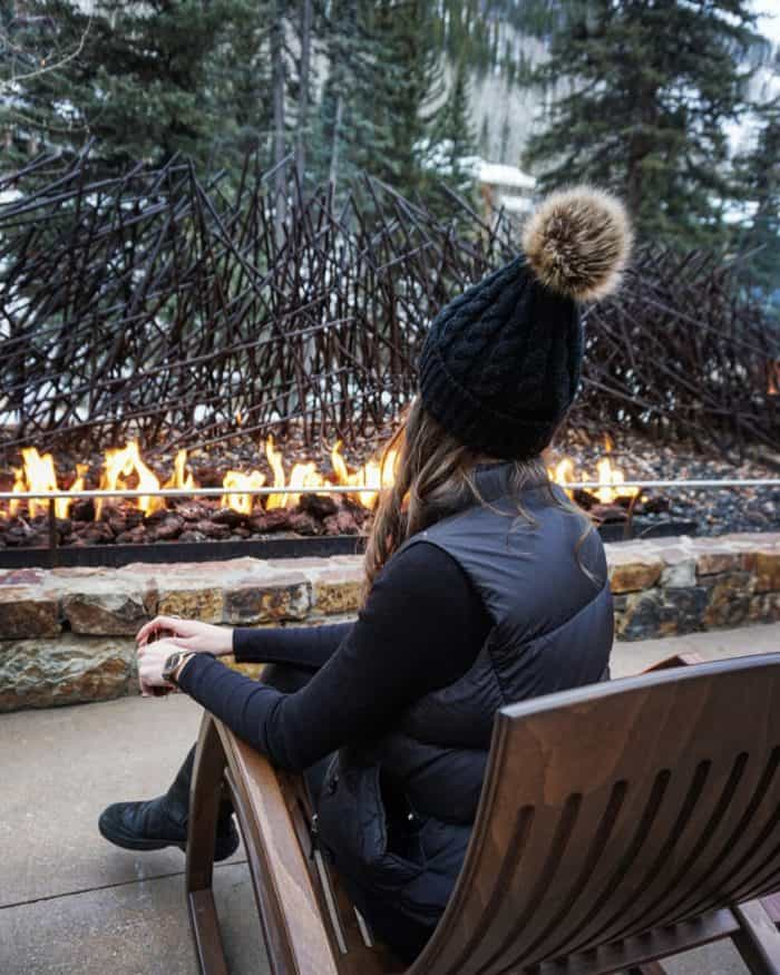 Apres Ski Style - Spanx Leggings, Uggs, Thermal Shirt, Vest and Beanie