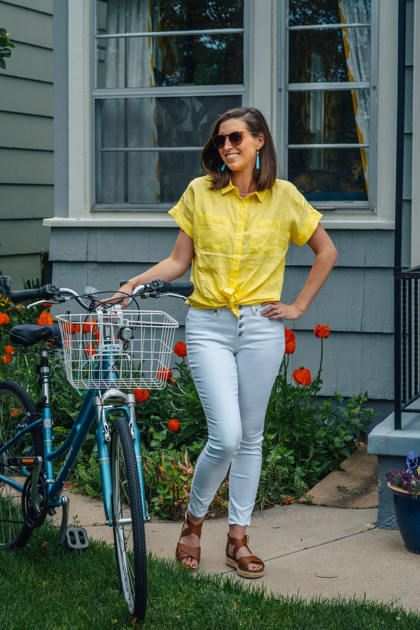 white button front jeans with yellow button down top