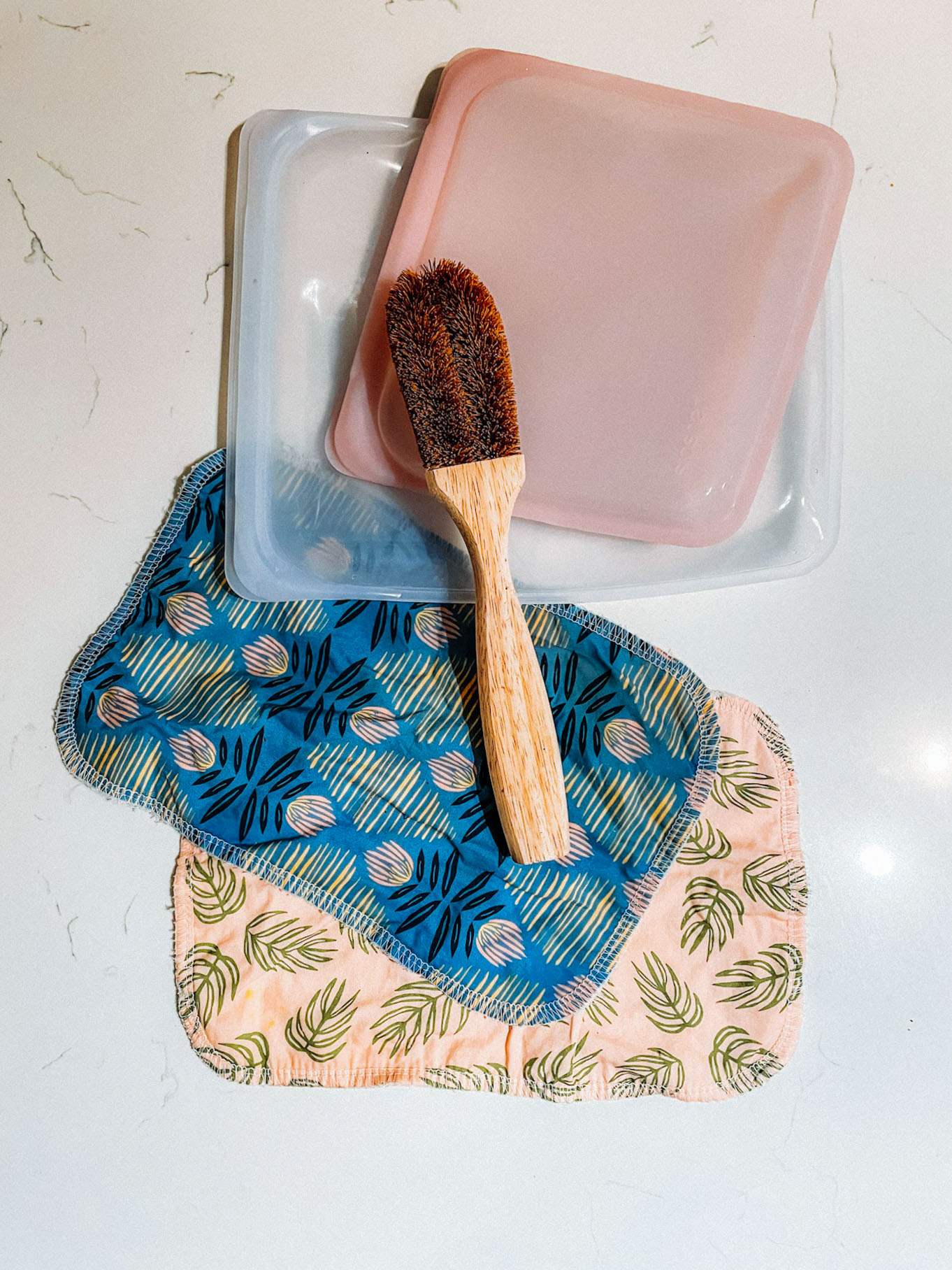 Reusable Kitchen Clothes, Coconut brush, Stasher Bags